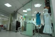 Стеклянная витрина для бутика